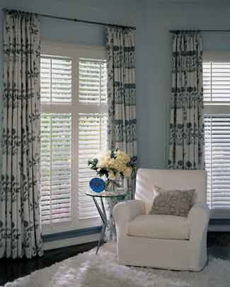 Hunter Douglas - NewStyle®   hybrid shutters with Front Tilt Bar